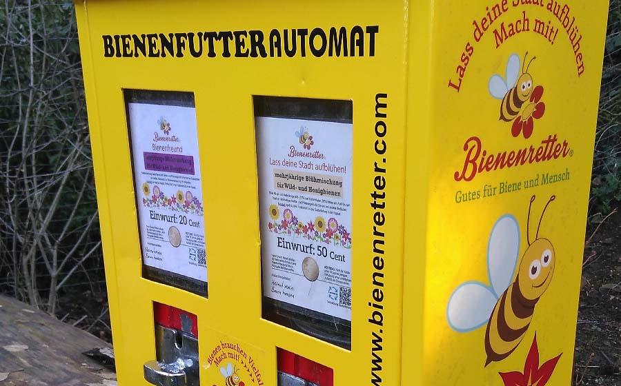 Neues vom Bienenfutterautomaten