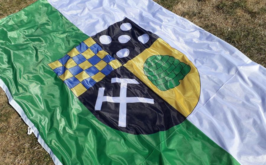 Große Fahne der OG Feilbingert